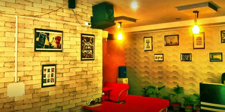 vik's pizza restaurant in hisar